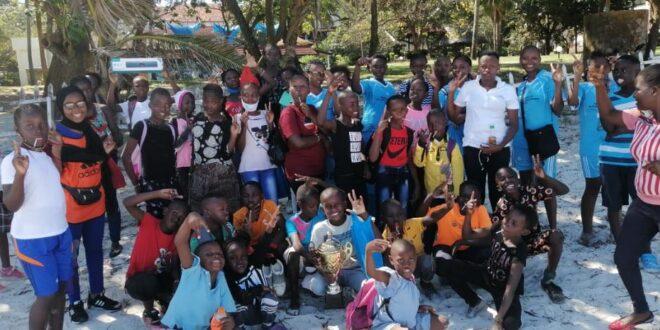 Piłka ręczna plażowa w Kenii. Specjalnie dla nas opowiada – Titus Wanson