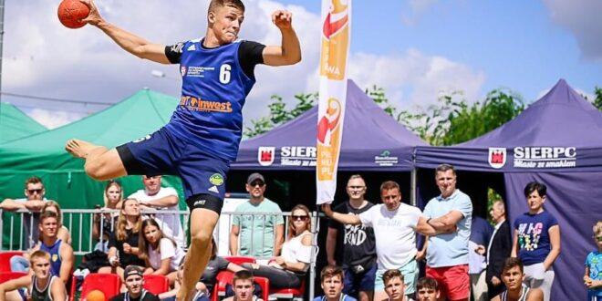 Mistrzostwa Polski Juniorów i Juniorek w piłce ręcznej plażowej odbędą się w dniach 21-22.08.2021 r. w Sierpcu!